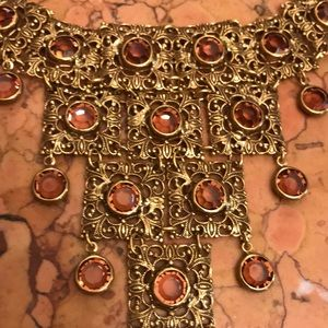 Lovely gold tone necklace with amber glass stones